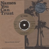 le-mecanica-popular-la-paz-del-freak-names-you-can-trust-cover